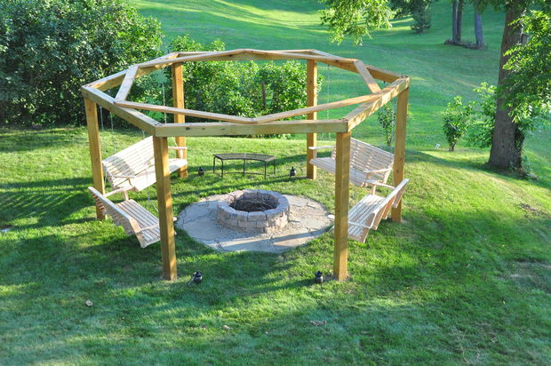 15 Awesome DIY Backyard Projects You Can Make in a Weekend