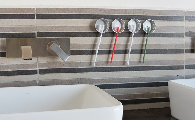 16 Clever DIY Storage Solutions for Small Bathroom Organization