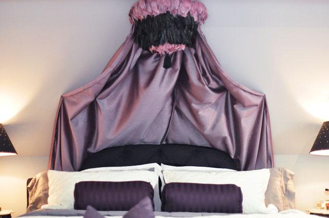 10 Beautiful DIY Canopy Beds