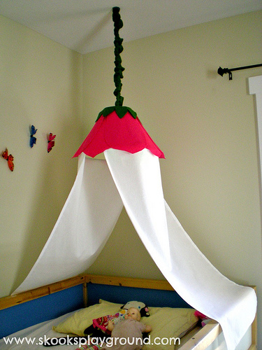 10 Beautiful DIY Canopy Beds