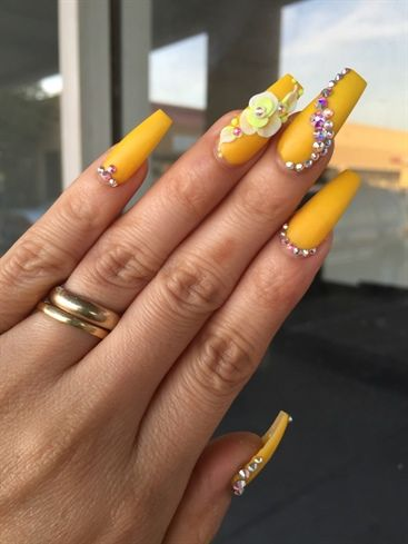 60 stunning yellow nail designs for 2019  page 41  tiger