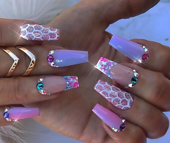 31 Unique and Stylish 3D Nail Designs – Page 6 – Tiger Feng