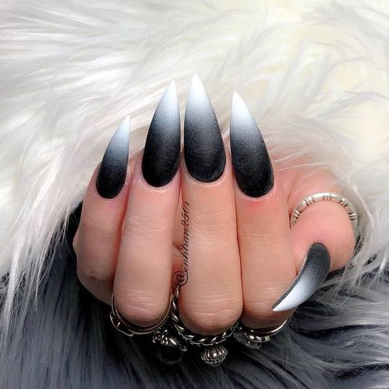 36 Stunning Black Stiletto Nail Designs