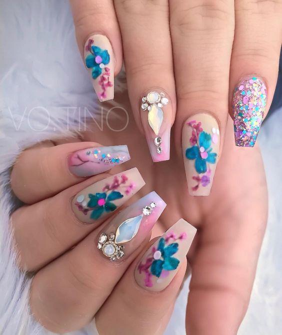 35 Pretty Dried Flower Nail Art Designs