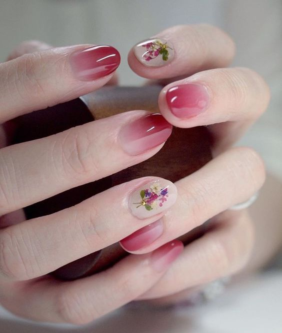 35 Pretty Dried Flower Nail Art Designs