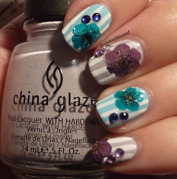 54 Pretty Dried Flower Nail Art Designs