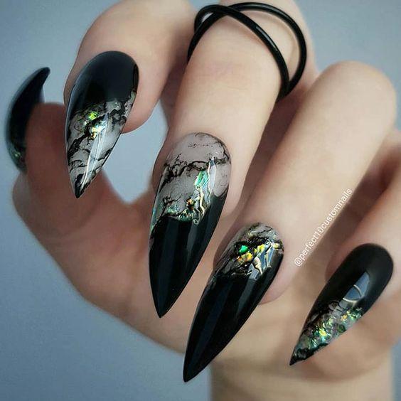 36 Stunning Black Stiletto Nail Designs
