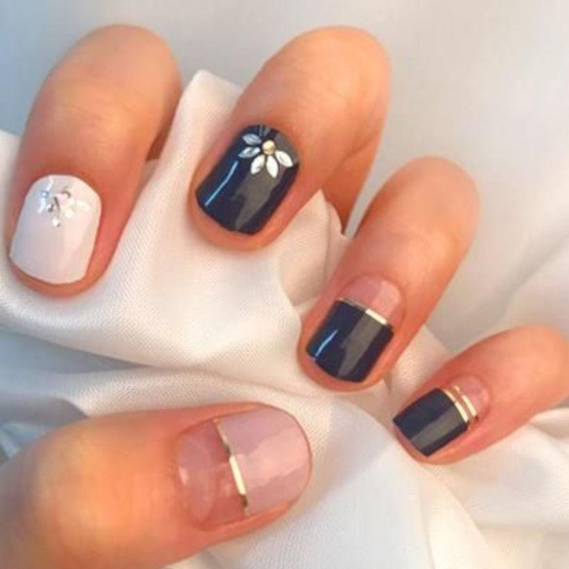 73 Pretty Short Gel Nail Art Designs and Ideas