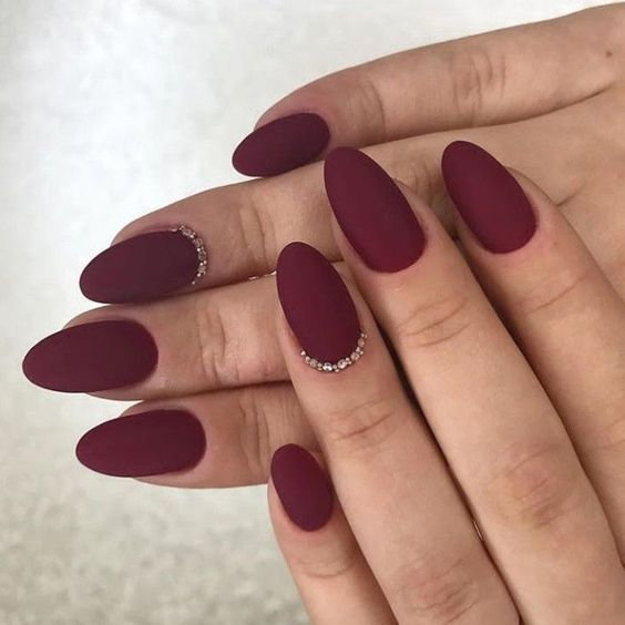 31 Stylish Oval Matte Nail Art Designs
