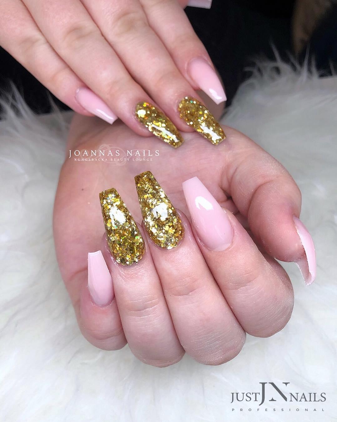 65 Popular Gel Glitter Coffin Nail Designs