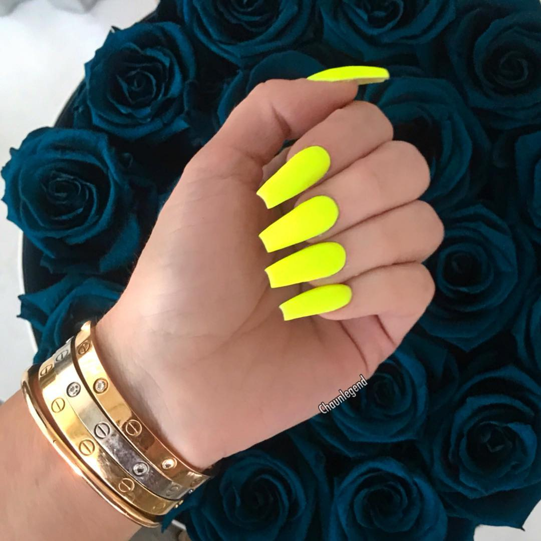 32 Impressive Coffin Yellow Nail Designs for Summer
