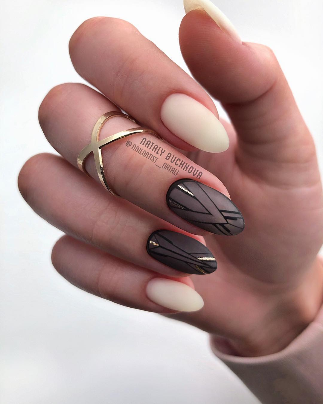 58 Stylish Almond Nail Art Designs