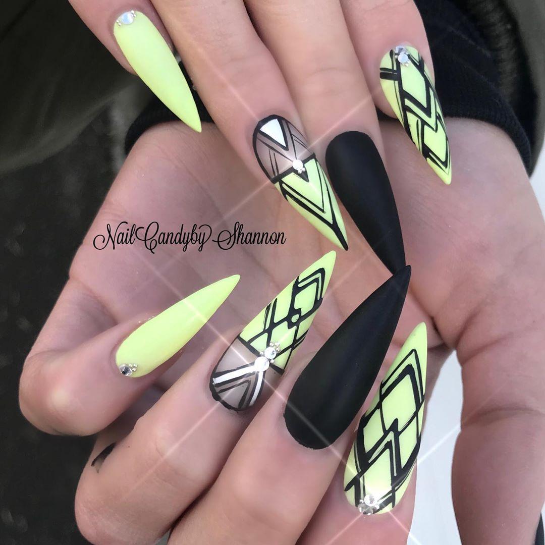 45 Gorgeous Matte Stiletto Nail Designs