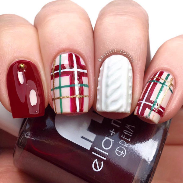 60 Festive Christmas Nail Art Designs & Ideas for 2020