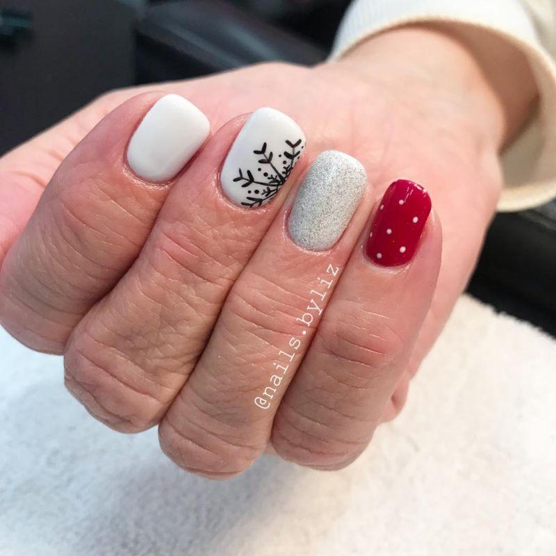 50 Cute Snowflake Nail Art Designs For Winter