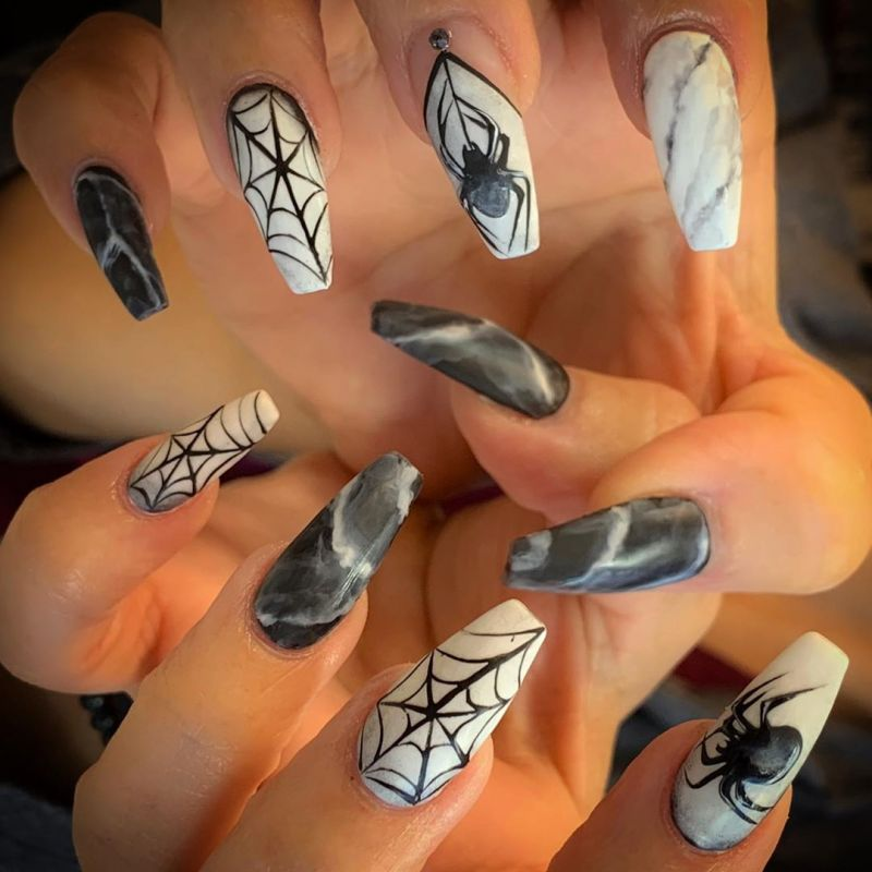 50 Trendy Spider Web Nail Art Designs for Halloween