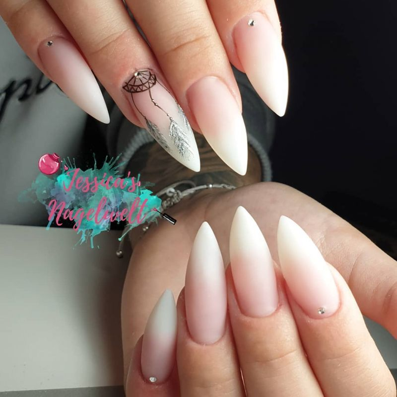 48 Cool Dream Catcher Nails to Improve Sleep