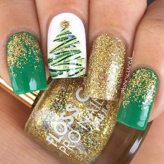 50 Festive Christmas Tree Nail Art Designs for Holiday