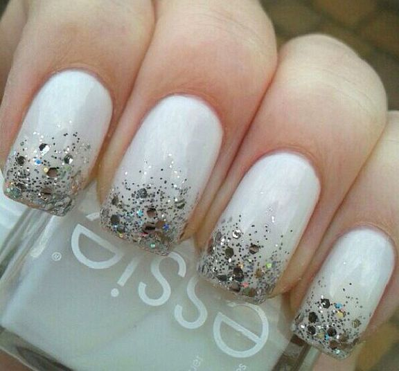 50 Trendy White Christmas Nails To Fall In Love With