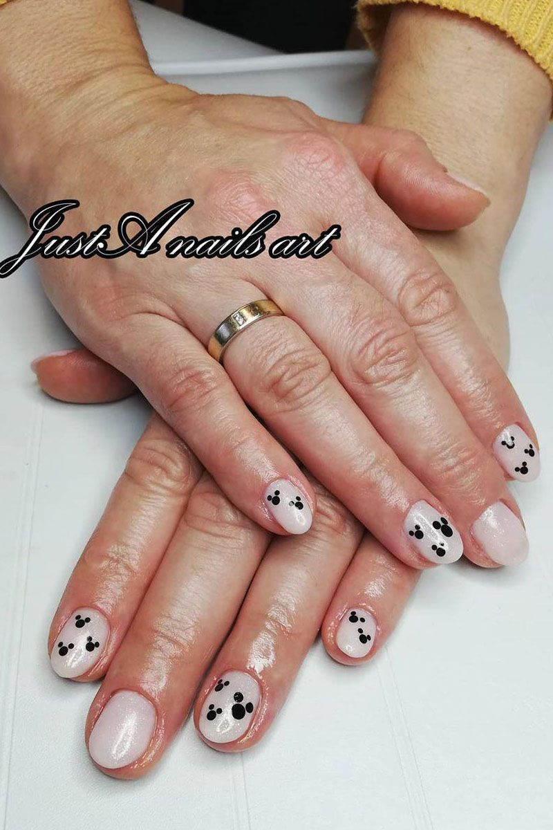 55 Cute Mickey Mouse Nails You Need to Try