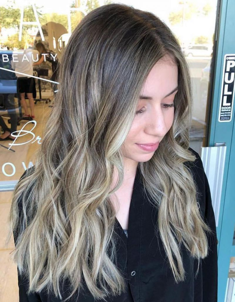 40 Pretty Long Wavy Hairstyles You Can Copy