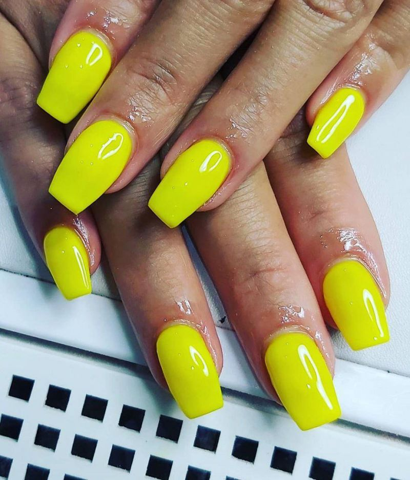 30 Trendy Bright Nails for Summer You Will Love