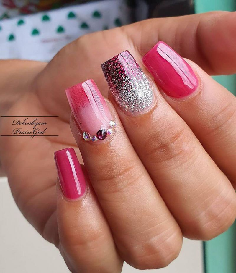 30 Trendy Summer Glitter Nails You Must Love